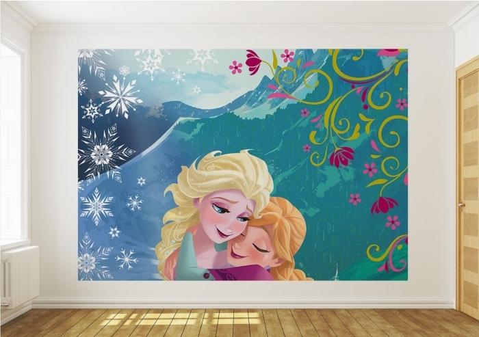 deco chambre fille, sticker autocollant murale à design Frozen avec Elsa et Anna, chambre d'enfant aux murs blancs et plancher en bois clair
