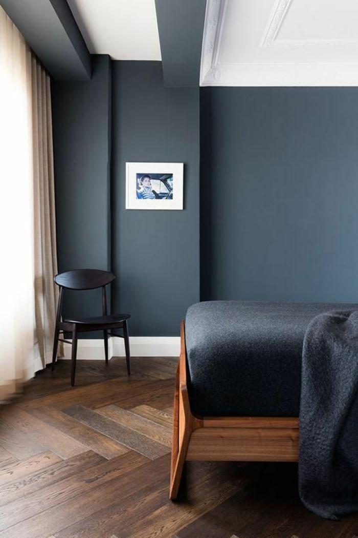 deco chambre adulte bleu canard accents colorés dans l architecture intérieure de cette pièce