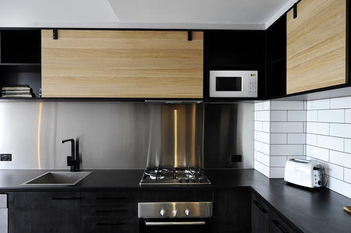 but meuble cuisine etagere murale noir mat et bois clair