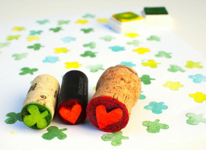 Faire son propre empreinte marque avec differents formes de bouchon liège belle déco chambre decoration avec liège