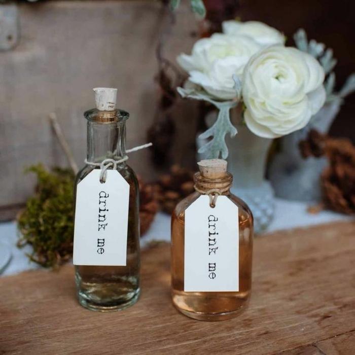 Bouchons de liège idée bricolage pour déco de mariage petits cadeaux mini bouteilles bouchés avec liège upcycling