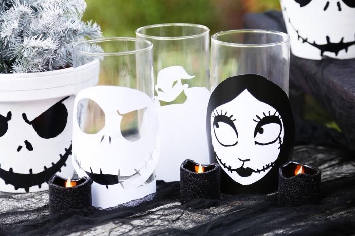 objets décoratifs pour Halloween en blanc et noir, verre transparent à déco crâne Halloween blanc et noir