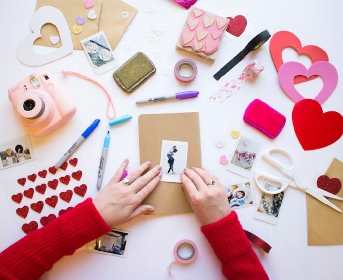 livre photo personnalisé, cadeau personnalisé pour la Saint Valentin, matériaux pour faire un album photo en couple