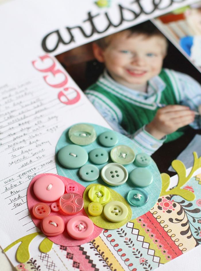 exemple scrapbooking pour Pâques, page d'album personnalisé avec photo enfant et déco en boutons vert et rose