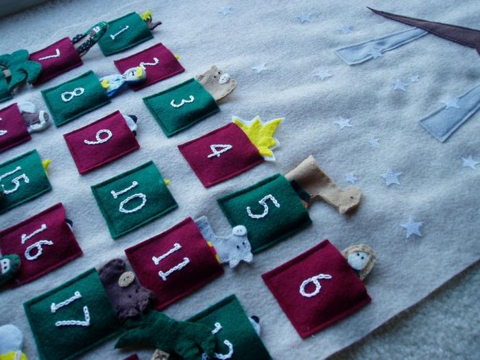 calendrier traditionnel avec surprises en textile, urprises pour les enfants et les gens aimés