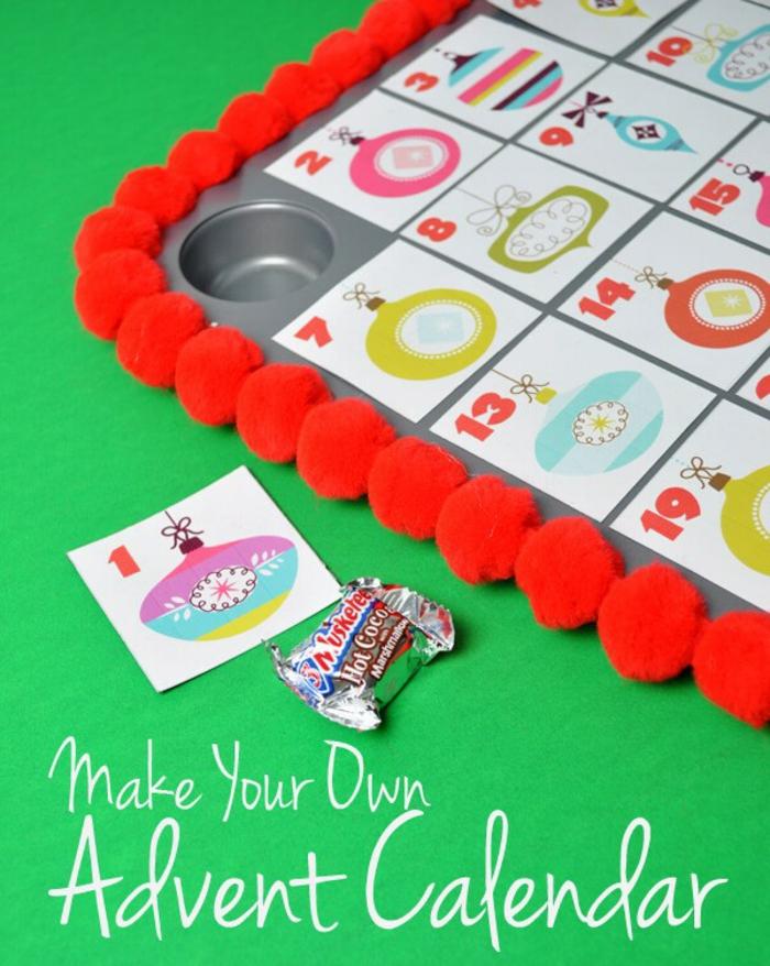 calendrier de Noel, idées de déco de Noel originales, moule cupcake transformée en calendrier
