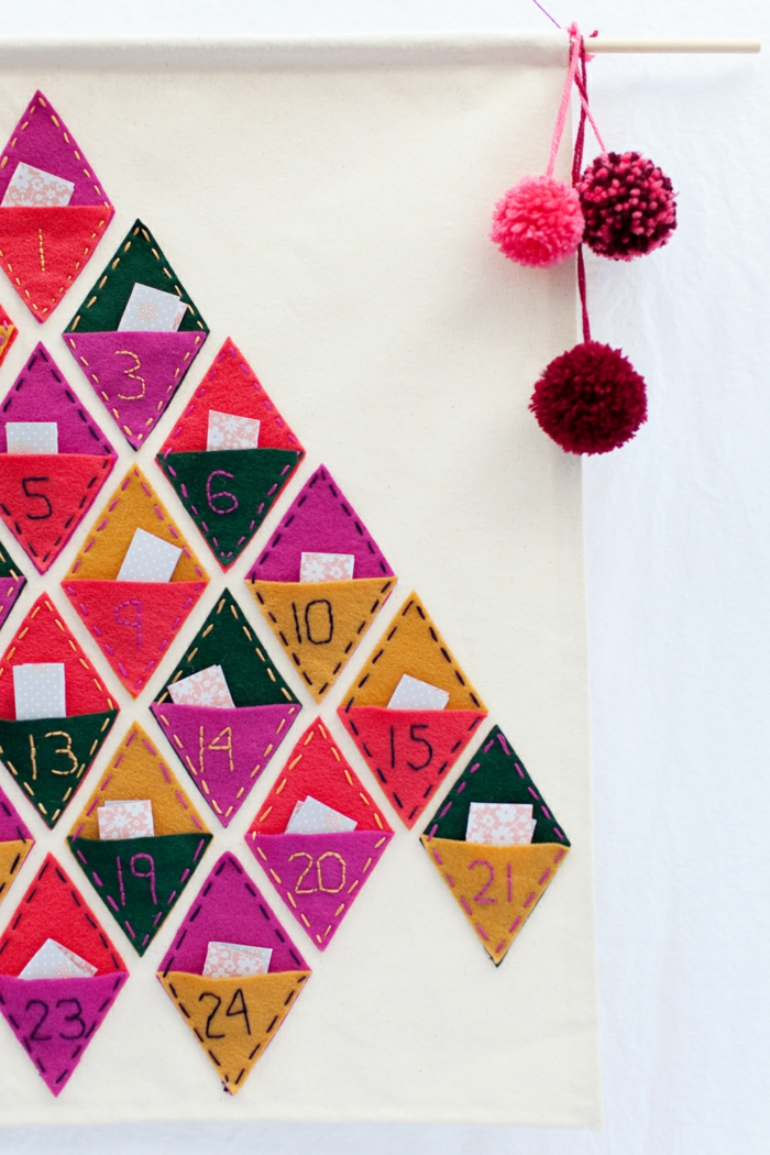 calendrier de l'avent maison, sapin en poches de feutrine, jolis diamants en textile