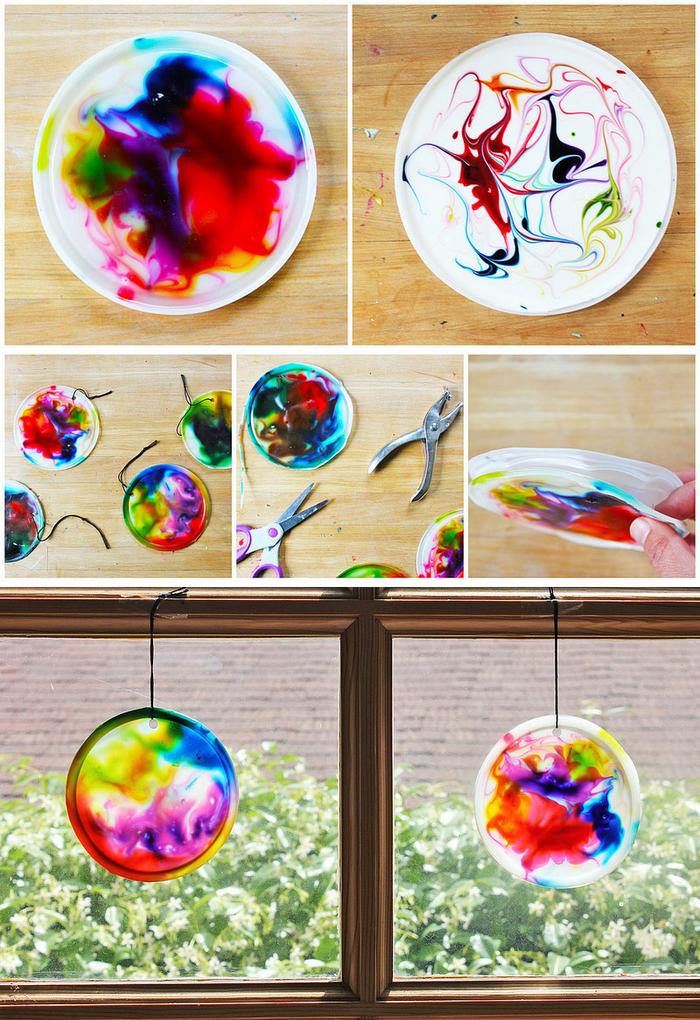 activité manuelle facile et rapide pour réaliser des capteurs de soleil colorés en plastique