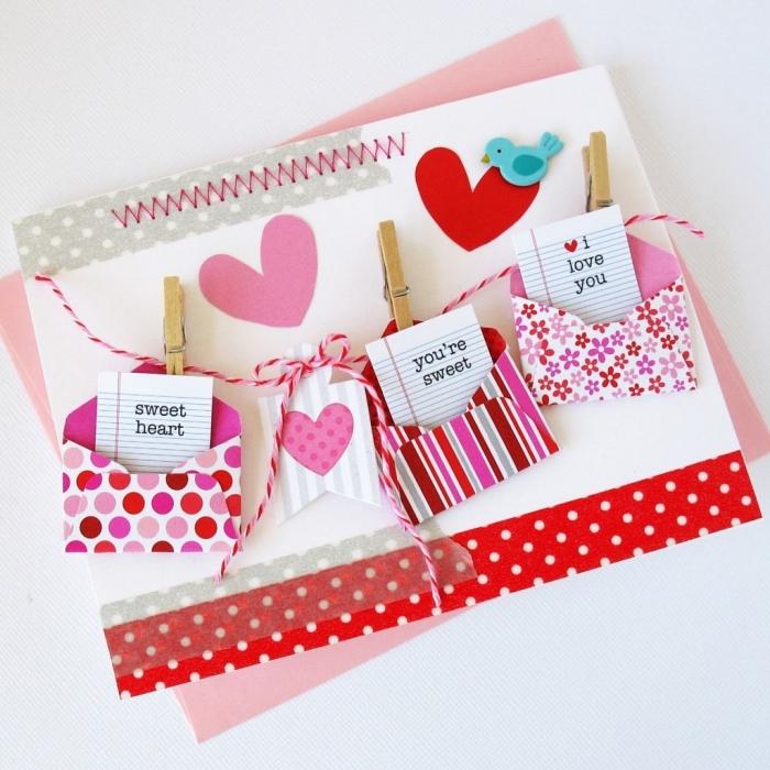 technique scrapbooking pour faire une décoration des cartes postales personnalisées en papier et ruban adhésif