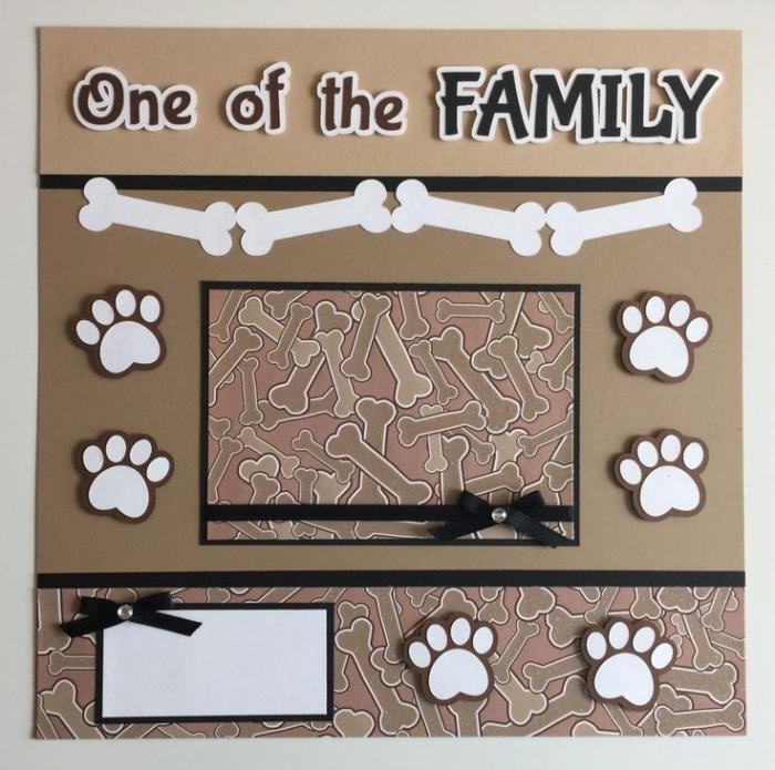 loisir creatif, idée scrapbooking à design animal de compagnie, page scrapbooking avec stickers pattes et os chien