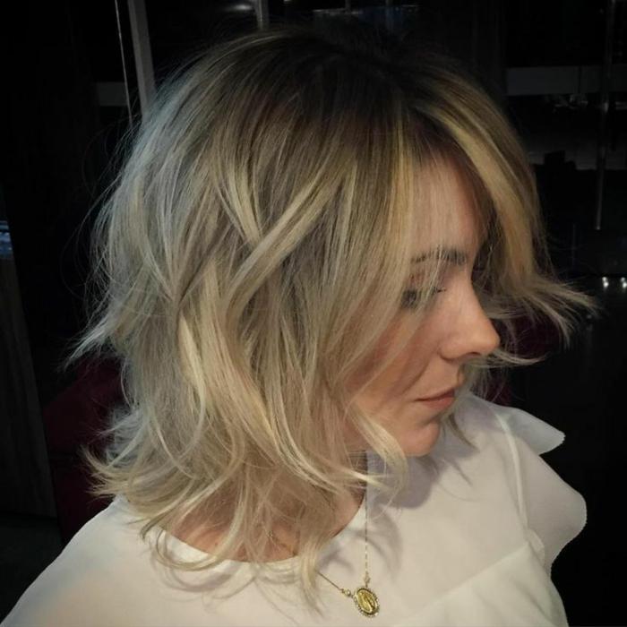 coiffure cheveux carré long, coiffure carré blond, style shaggy sur cheveux mi-longs