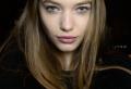Tous les conseils pour adopter la frange courte – 90 coiffures tendance à frange minimaliste