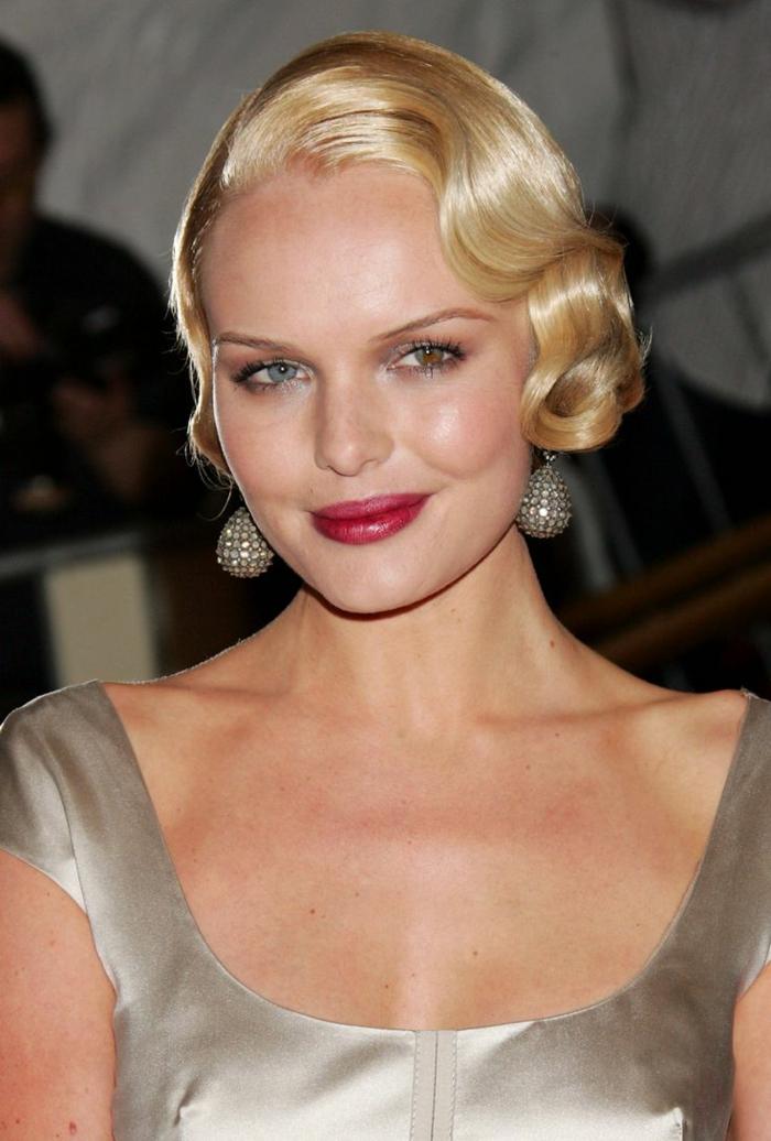 coupe de cheveux fins, jolie coiffure carré blond avec ondulations maitrisérd, cheveux brillants