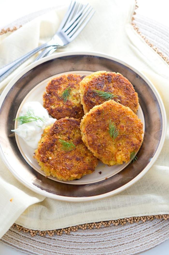 recette facile et pas chère pour un menu d'automne raffiné, des croquettes croustillantes de pommes de terre