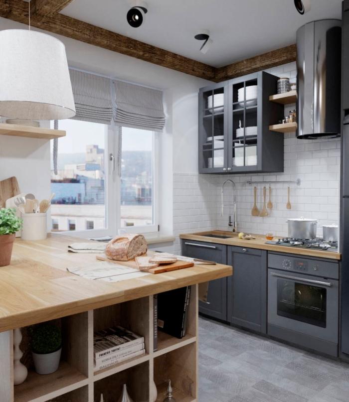 cuisine équipée, plafond blanc avec poutres en bois, crédence cuisine au carrelage imitation briques blanches