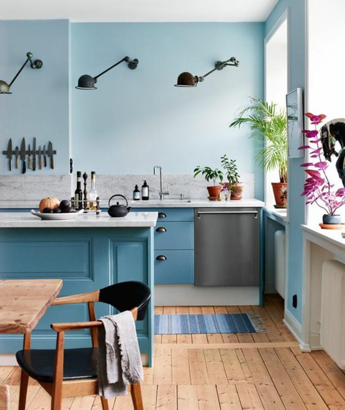 Deco Bleu Canard Meuble Bleu Canard Trois Luminaires En Mtal Noir Pliants  Au Mur Parquet With Cuisine Couleur Bleu Gris With Mur Bleu Gris With Cuisine  Bleu ...