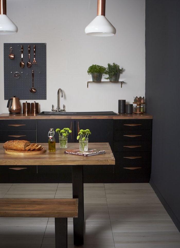 cuisine noir mat et bois moderne design cuivre