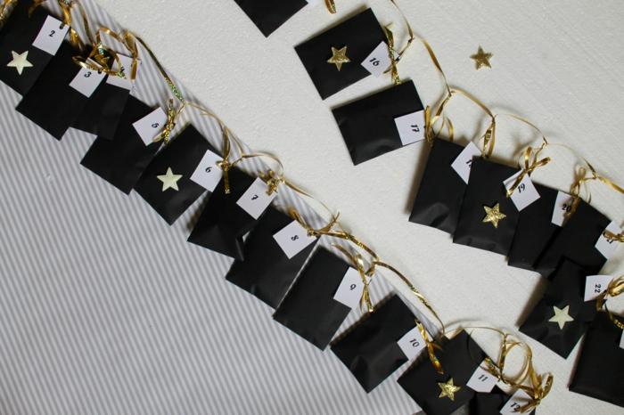 décoration de Noel amusante et créative, petits sacs en papier avec des numéros découpés