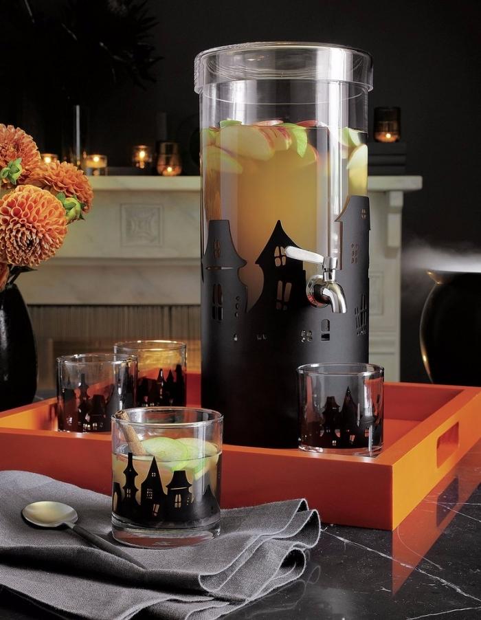 accessoires décoratifs pour Halloween en noirs, récipient en verre décoré en maisons noires