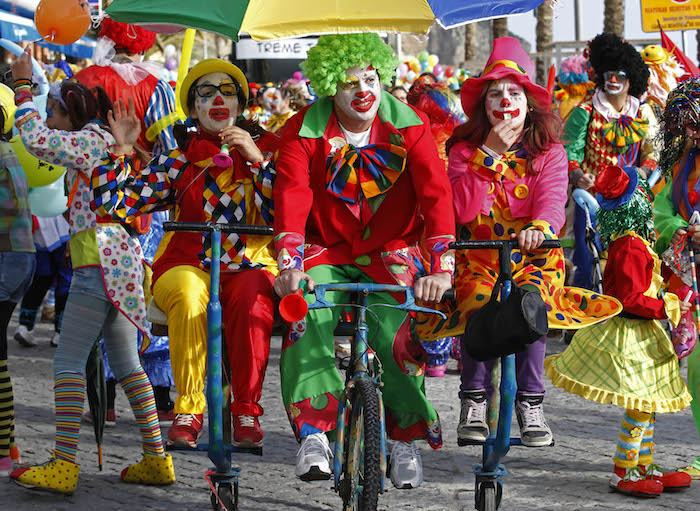 costume déguisement clown joyeux couleurs
