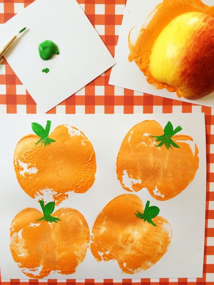 comment créer des dessins d'halloween faciles et rapides avec des tampons en fruits diy, pinterest bricolage original pour occuper les enfants