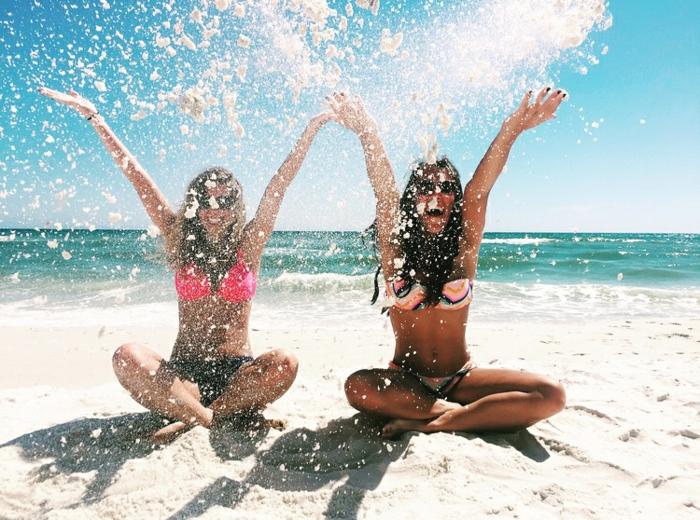 Originale photo de groupe originale idée originale de photographie amies sur la plage