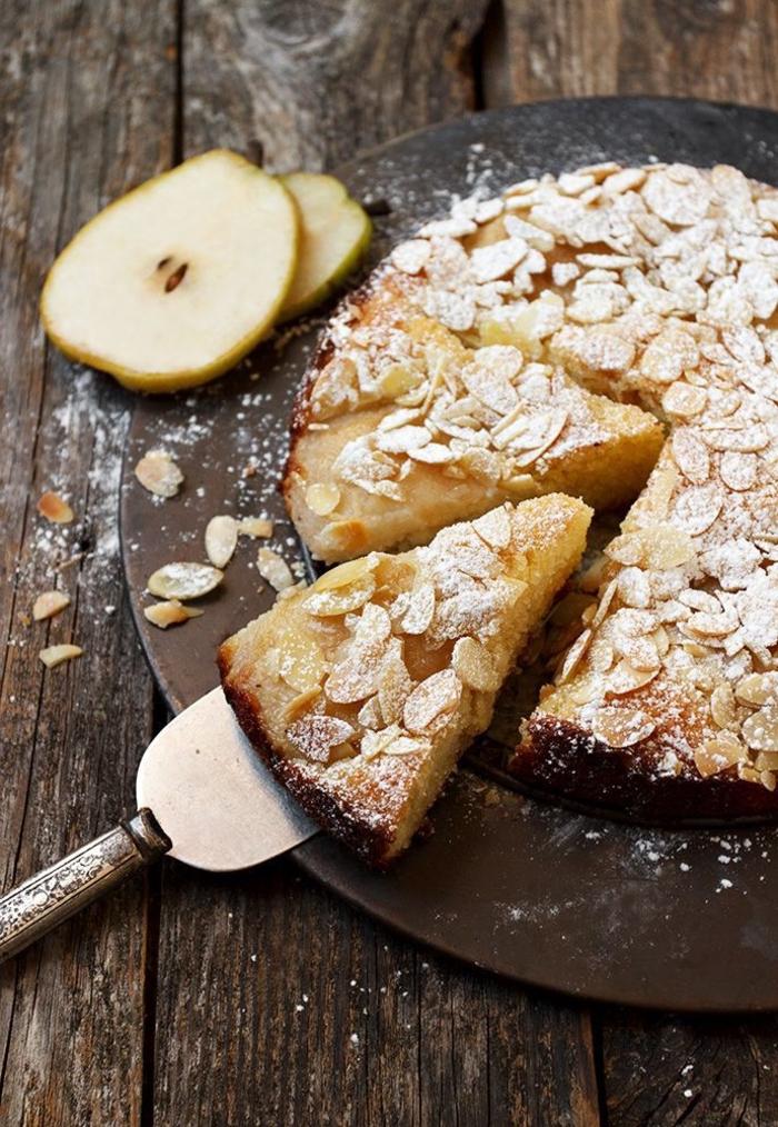 un dessert d'automne classique aux poires et amandes pour épater vos inviter