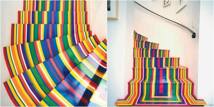 repeindre un escalier à rayures colorées, effet arc en ciel joyeux, main courante metallique, mur blanc