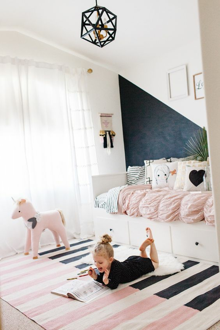 1001 id es pour une chambre b b en bleu canard des - Tapis chambre bebe fille ...