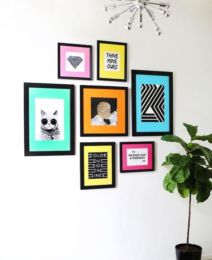 diy chambre, decoration murale dessins et peinture sur un fond coloré dans des cadres noirs, activité manuelle adulte