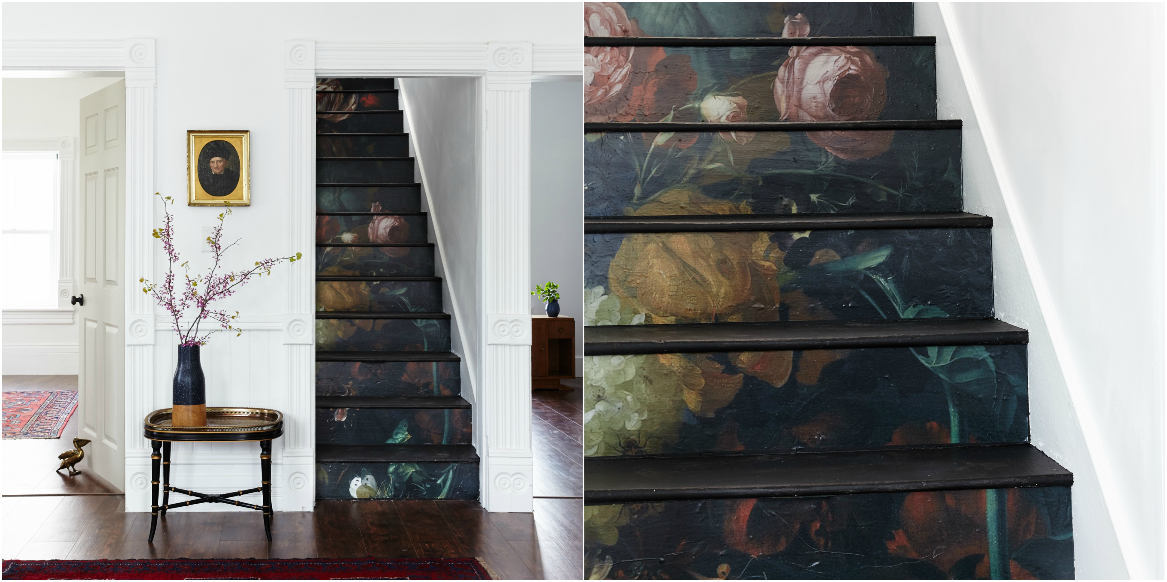 un dessin imprimé et collé sur les marches de l escalier, motif fleurs sur un fond noir, effet aquarelle, parquet en bois marron, branches fleuries dans un vase, comment relooker un escalier