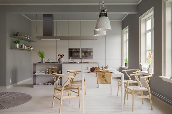 meuble scandinave, décoration de cuisine en gris et bois, lampes suspendues en blanches avec finitions métalliques
