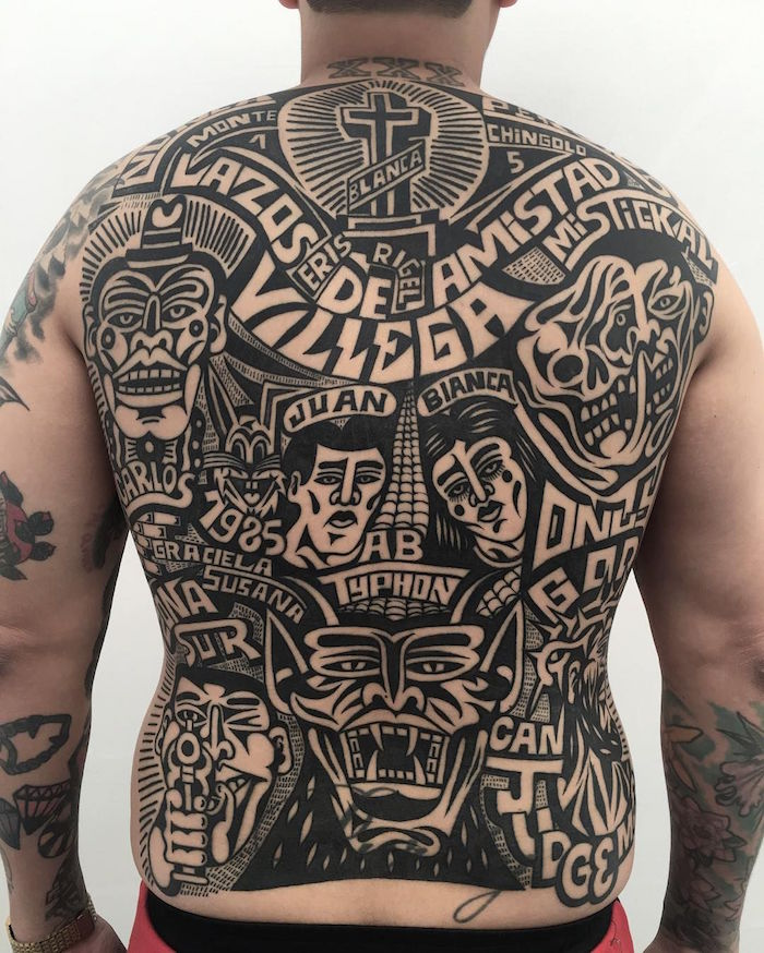 tattoo dos homme latino bande dessinée