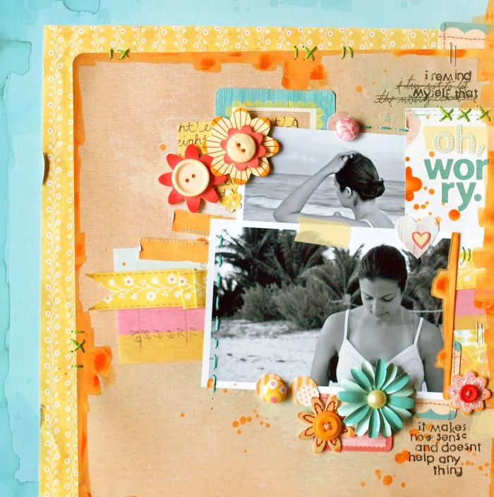idée cadeau, faire une carte postale avec photo et embellissement scrapbooking multicolore sur une feuille bleu aquarelle