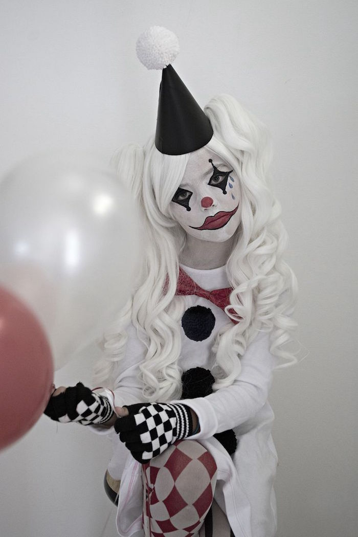 maquillage enfant clown deguisement arlequin joker noir blanc halloween