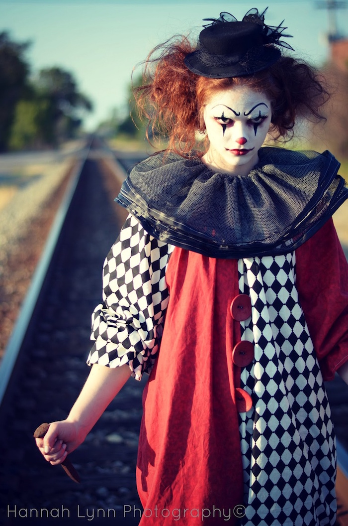 maquillage et deguisement clown méchant femme
