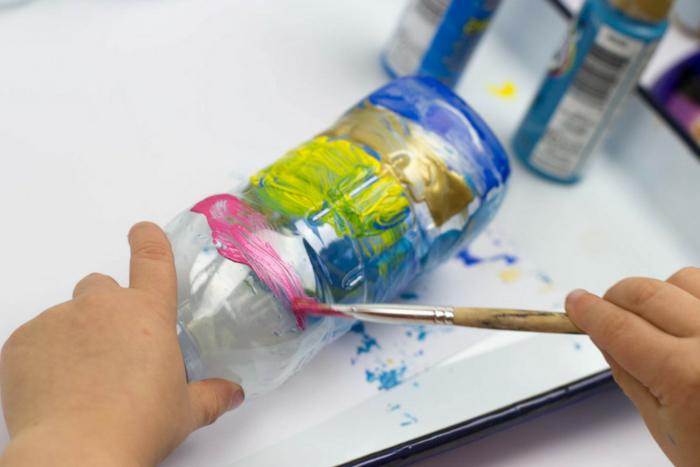 activit manuelle recyclage bouteille plastique top activites manuelles pour adultes bricolage. Black Bedroom Furniture Sets. Home Design Ideas