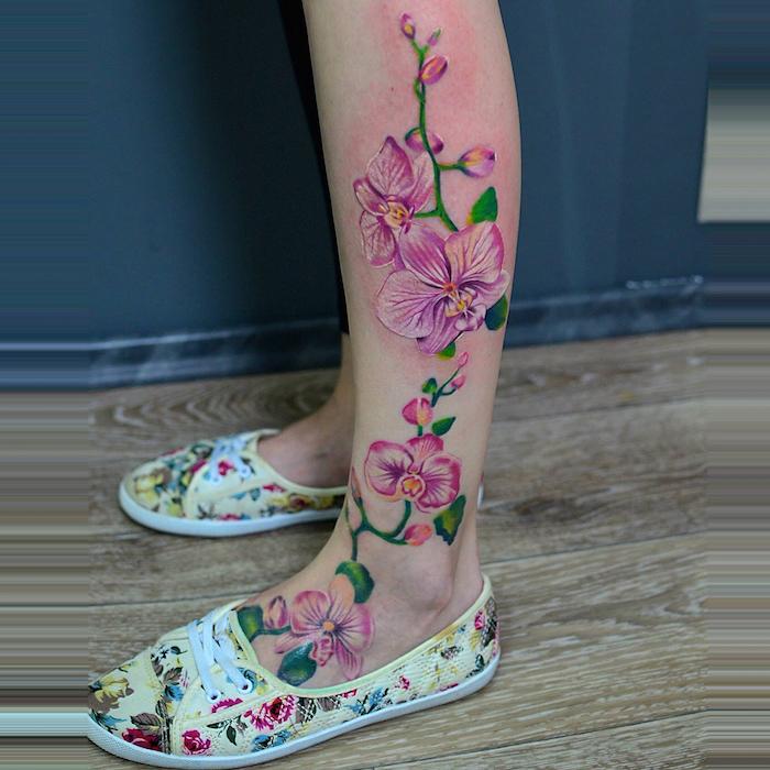 tatouage mollet femme orchidée rose cheville