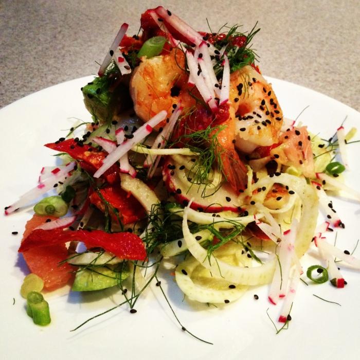 recette salade composée hiver, salade aux fruits de mer et de légumes frais