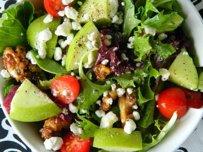 recette salade composée, poires, tomates cerises, noix de grenoble, laitier