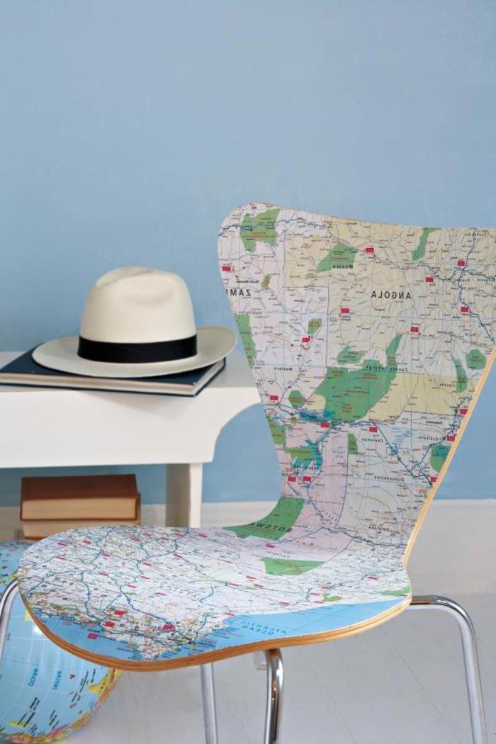 relooker des chaises à peu d'efforts sans peinture, chaise customisée avec une ancienne carte routière