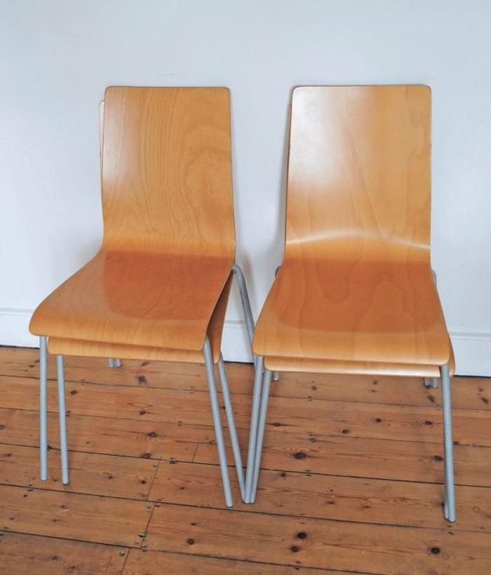 meuble relooké avant après, rénover des chaises en bois avec des motifs crées au pochoir à effet dégradé