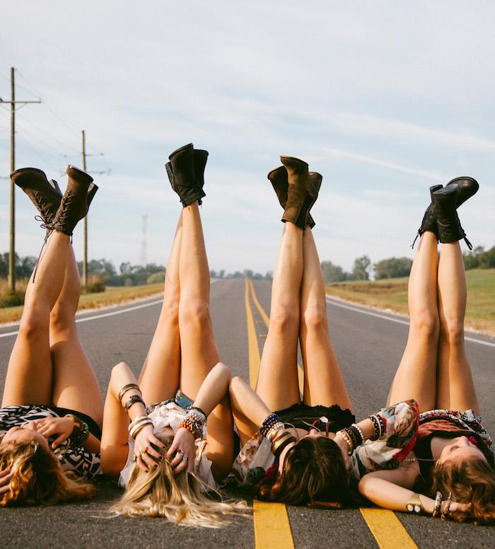 photo de meilleures amies swag quatre copines route
