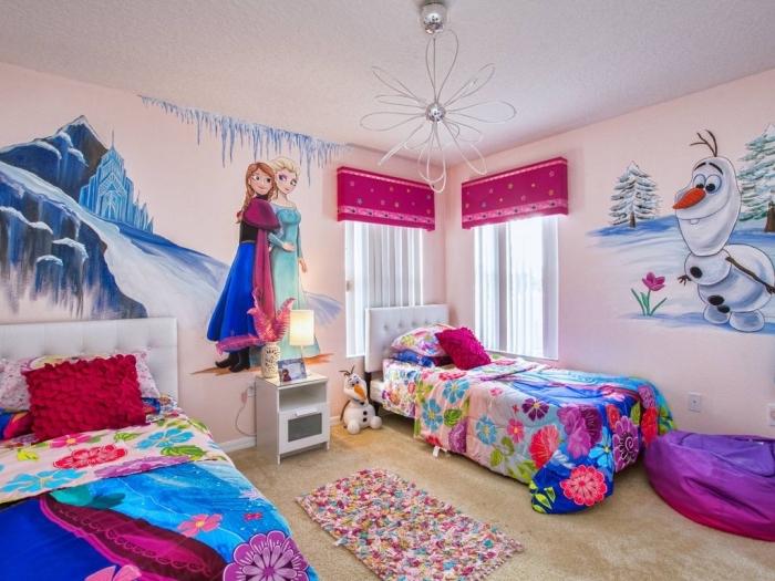 peinture interieur, pouf géant en violet, housse de couette la reine des neiges pour chambre enfant