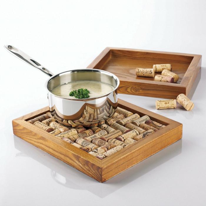 Superbe idée que peut on faire avec des bouchons en liege dessous de plat chaud ou liquide