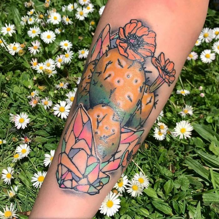 tatouage bras femme, dessin imaginaire, un tattoo artistique sur l'avant-bras