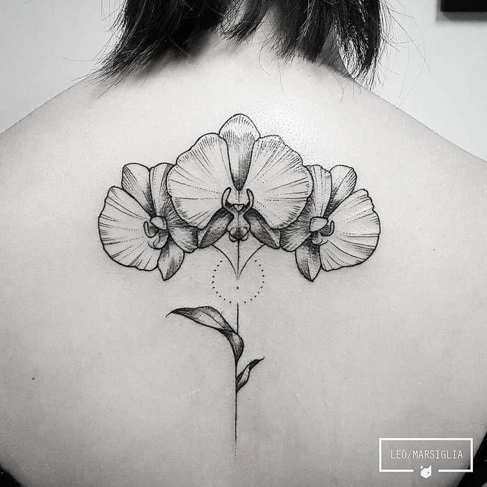 1001 id es tatouage orchid e le d sir fleur de peau - Tatouage blanc sur peau noir ...