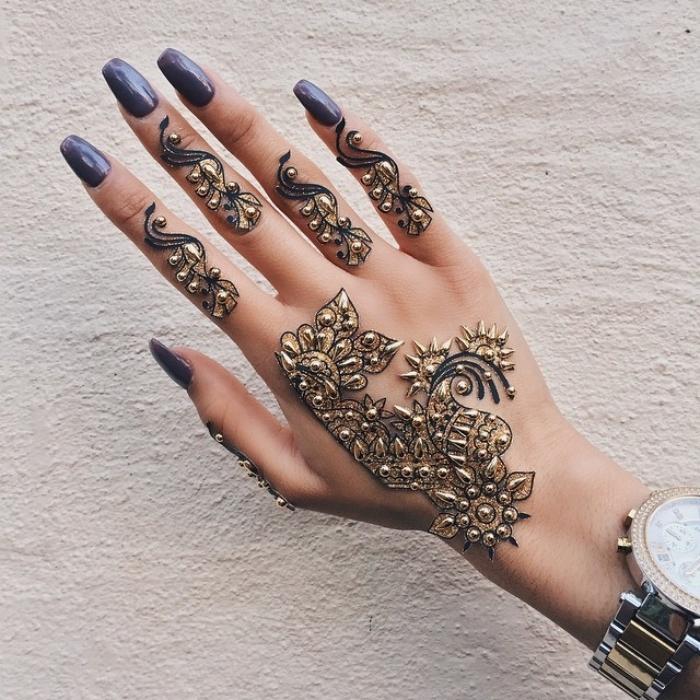 1001 id es pour un tatouage henn ultra impressionnant - Dessin de henne pour les mains ...