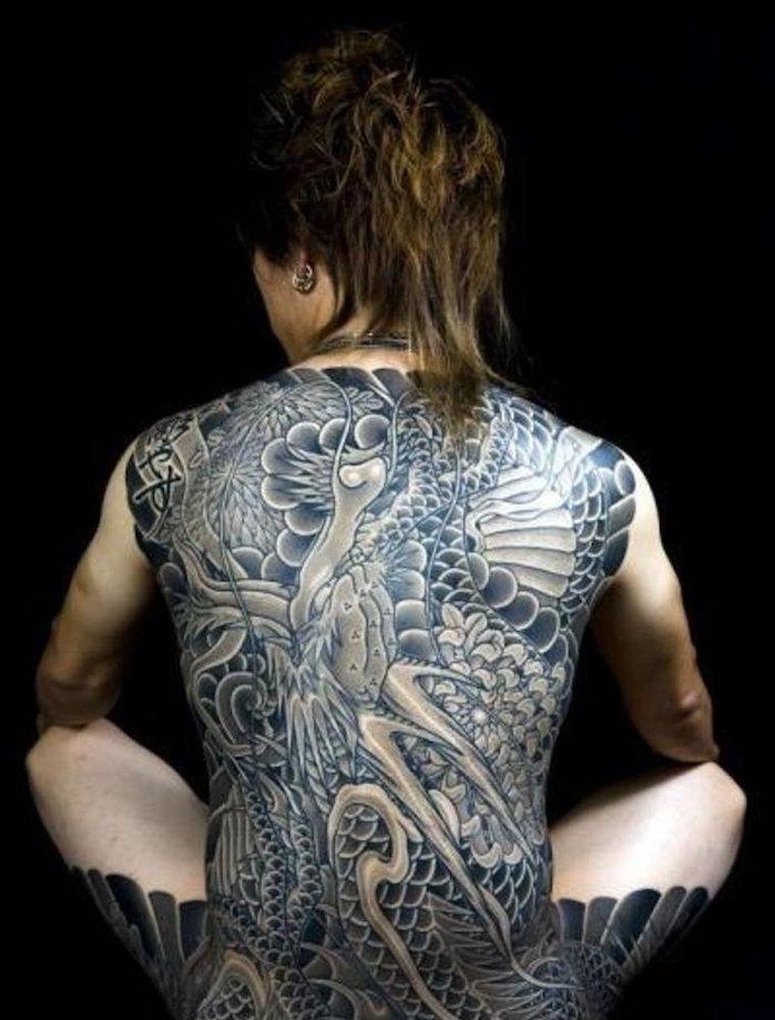 tatouage japonais dos entier irezumi tattoo traditionnel