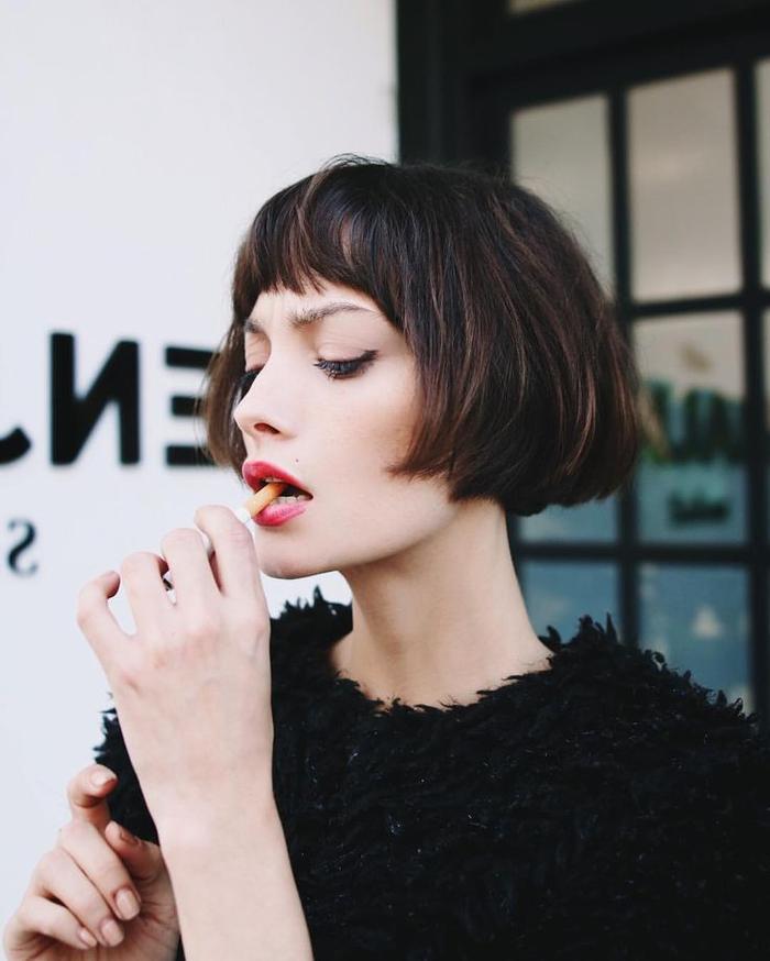 Coupe de cheveux femme carr avec frange carr court avec frange se rapportant coiffure coupe - Coupe carre frange ...